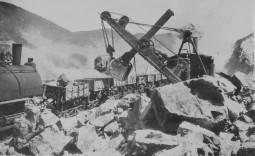 Carga mecanizada de minerales